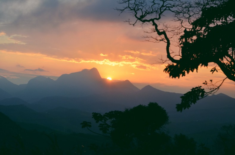por-do-sol-serra-itaipava