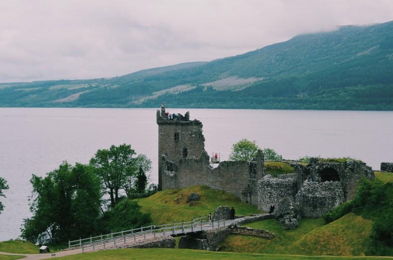castelo-ruinas-loch-ness-escocia
