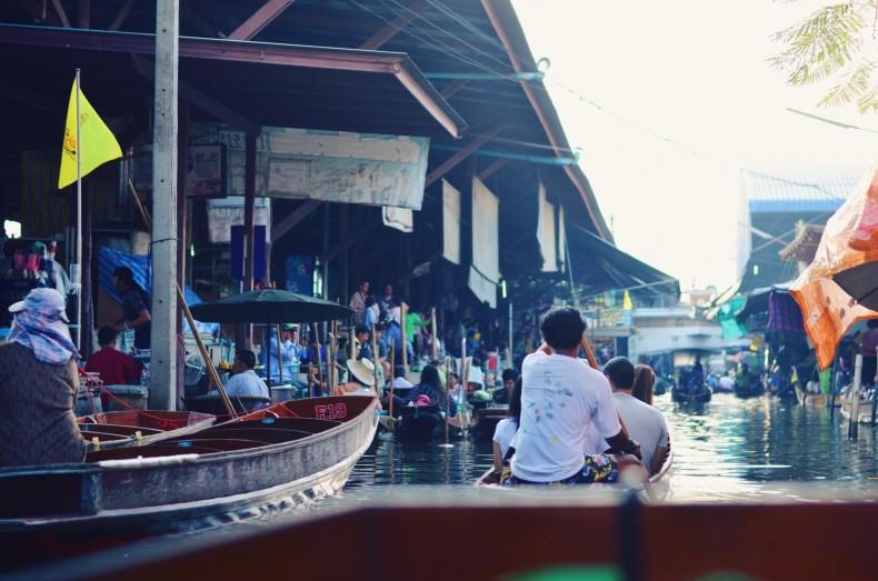 mercado-flutuante-em-bangkok-na-tailandia