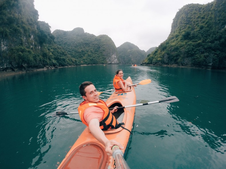 passeio-de-kayak-em-halong-bay